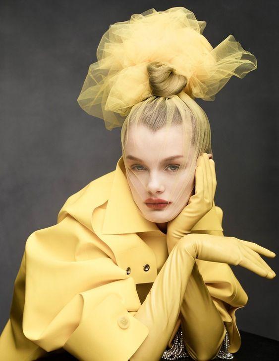 Kris Grikaite a Vogue China 2019 januári számában