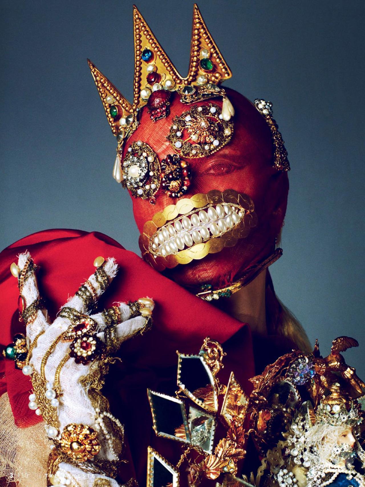 Natasha Poly modell egy Maison Margiela Haute Couture Spring 2015 maszkban - Vogue Russia