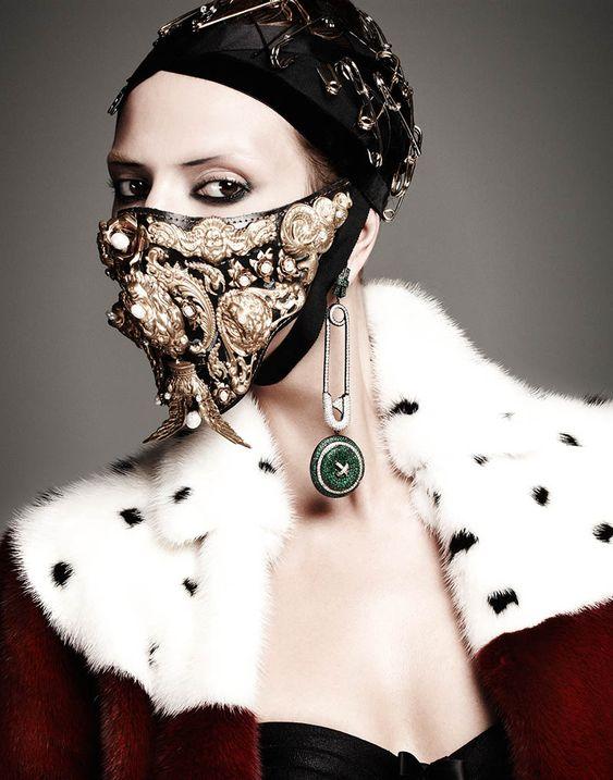 Martha Streck egy 2013-as V Magazine-ban