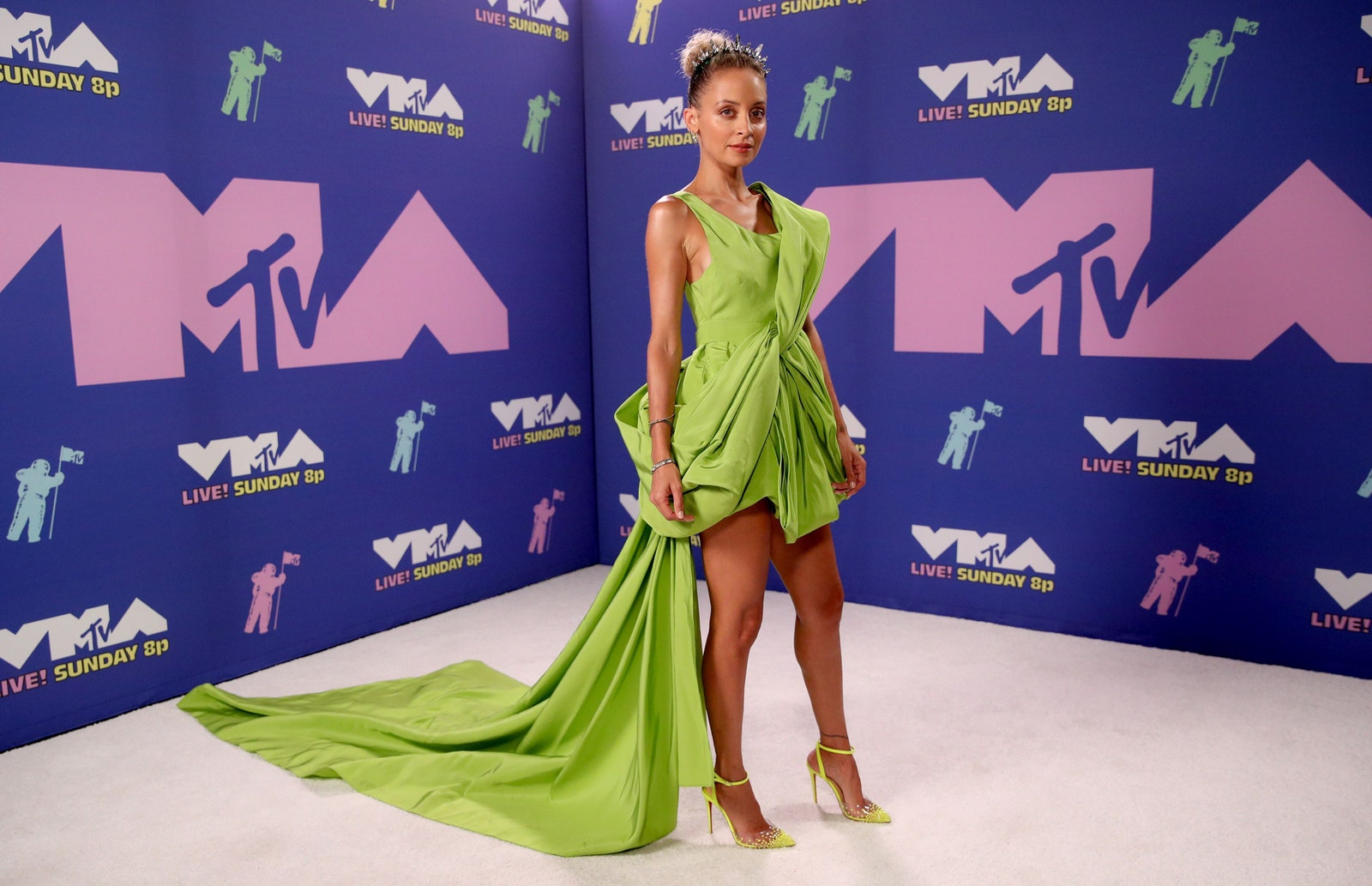 Nicole Richie egy Cong Tri estélyiben parádézott - Getty Images for MTV