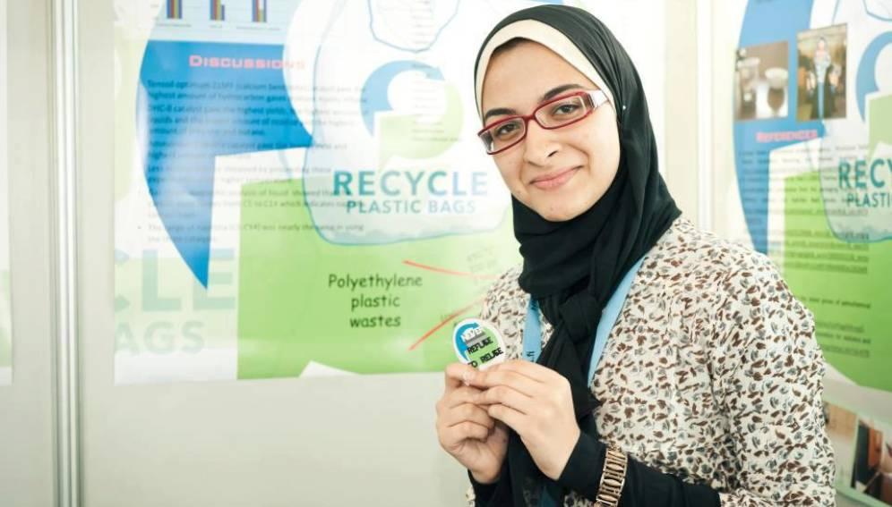 Egy 16 éves egyiptomi diák, Azza Abdel Hamid Faiad találta meg a katalizátort, amellyel bio üzemanyagot lehet előállítani használt műanyagból, méghozzá egészen olcsó eljárással - reméljük, megvalósul!