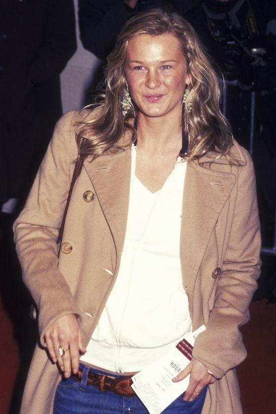 Amy Lemons, aki 0-s méretű modellként indult, majd a főiskola után plus size modell lett
