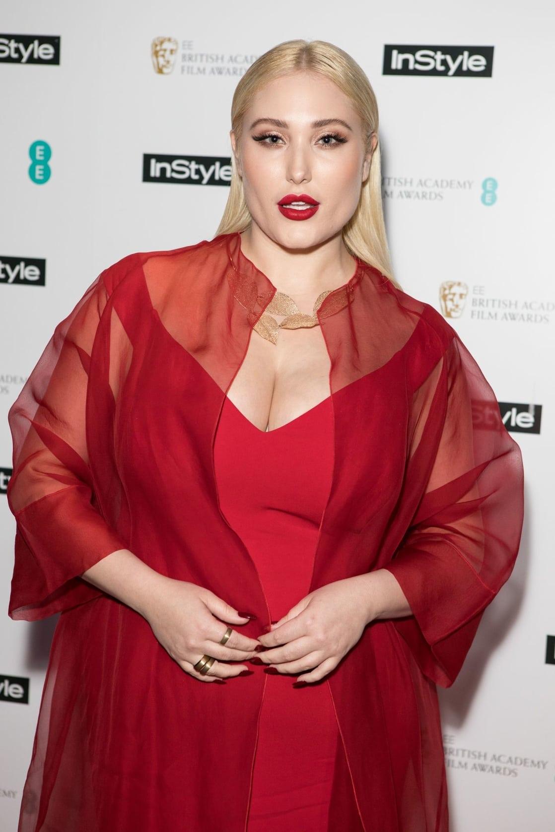 Hayley Hasselhoff, a Baywatch sztárjának lánya már nem modellkedik, hanem a brit Marie Claire-nek ír