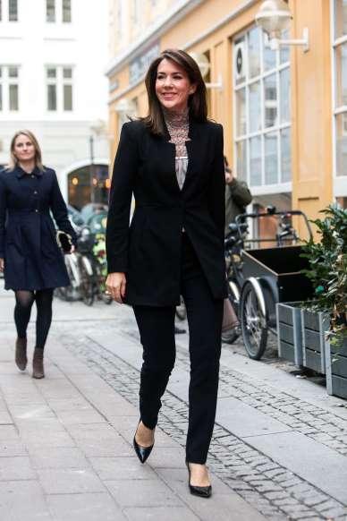 Mária dán királyi hercegnő kosztümben