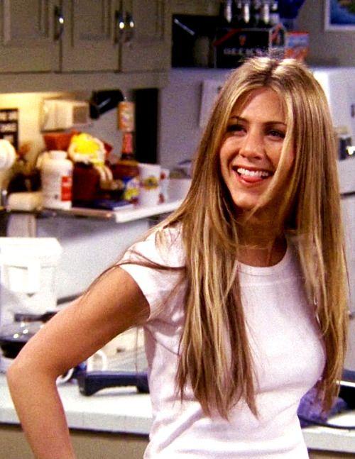 Rachel tudta, hogy a fehér póló bármikor bevethető...