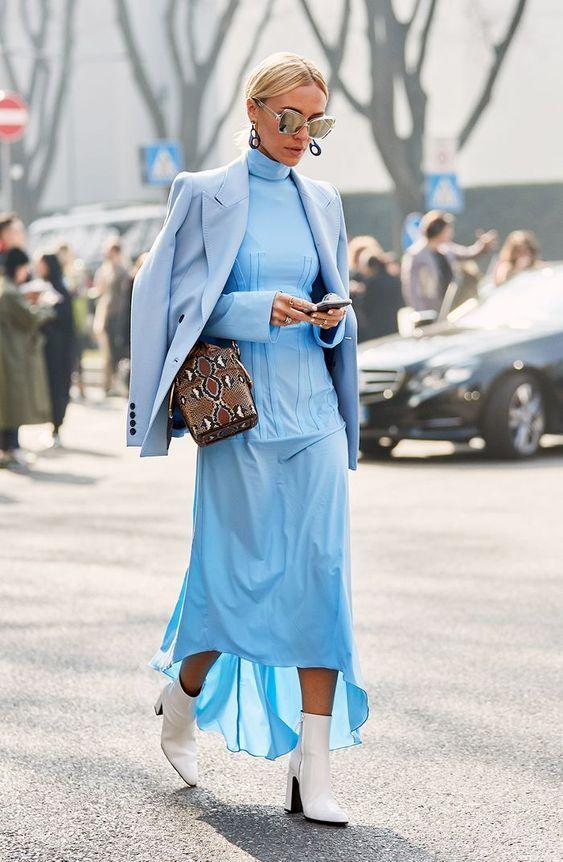A pasztellek is ott vannak a top színek között! Ha hűvösebb lenne az idő, gyönyörű és irtó sikkes leszel, ha a ruhádra ugyanolyan árnyalatú pulcsit, kardigánt vagy blézert veszel.