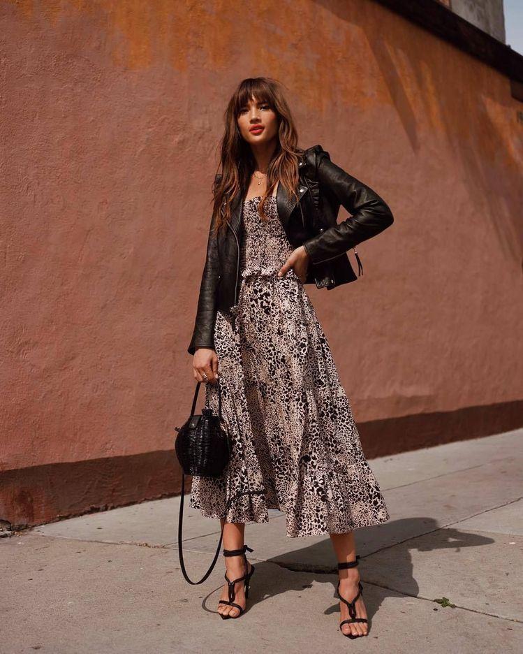 Egy nyáresti buliba zseniális lenne ez a szett - akár lapostalpú cipővel is, ne aggódjatok. Chic Parisienne!