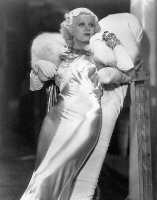 Jean Harlow, az első szőke bombázó és a selyem slip dress
