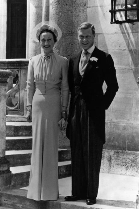 A botrányos házasságban, amiért VIII. Eduárd brit király lemondott trónjáról, egy dolgot imádtak az emberek: Elizabeth Wallis Warfield menyasszonyi ruháját.