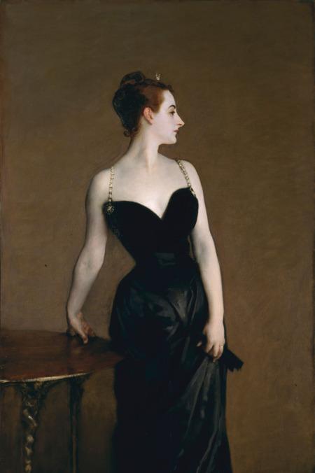 John Singer Sargent 1884-es festménye, a Madame X portréja megbotránkoztatta a párizsiakat, még meg is rongálták a művet. Az amerikai festő a legjobb dolognak tartotta, amit valaha csinált.