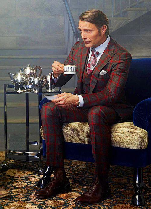 Hannibal - Mads Mikkelsen öltönyeit külön kiemelném!