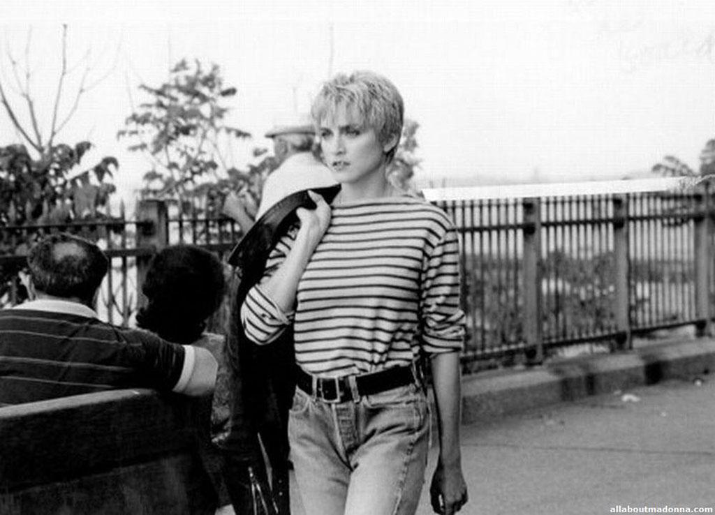 Madonna fiatalon