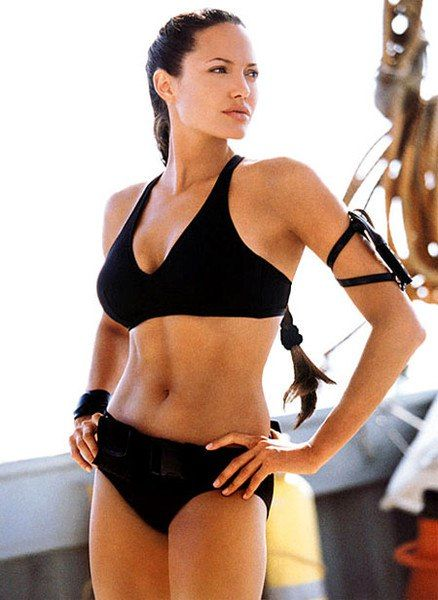 Angelina Jolie a 2003-as Lara Croft: Tomb Raider 2. filmben
