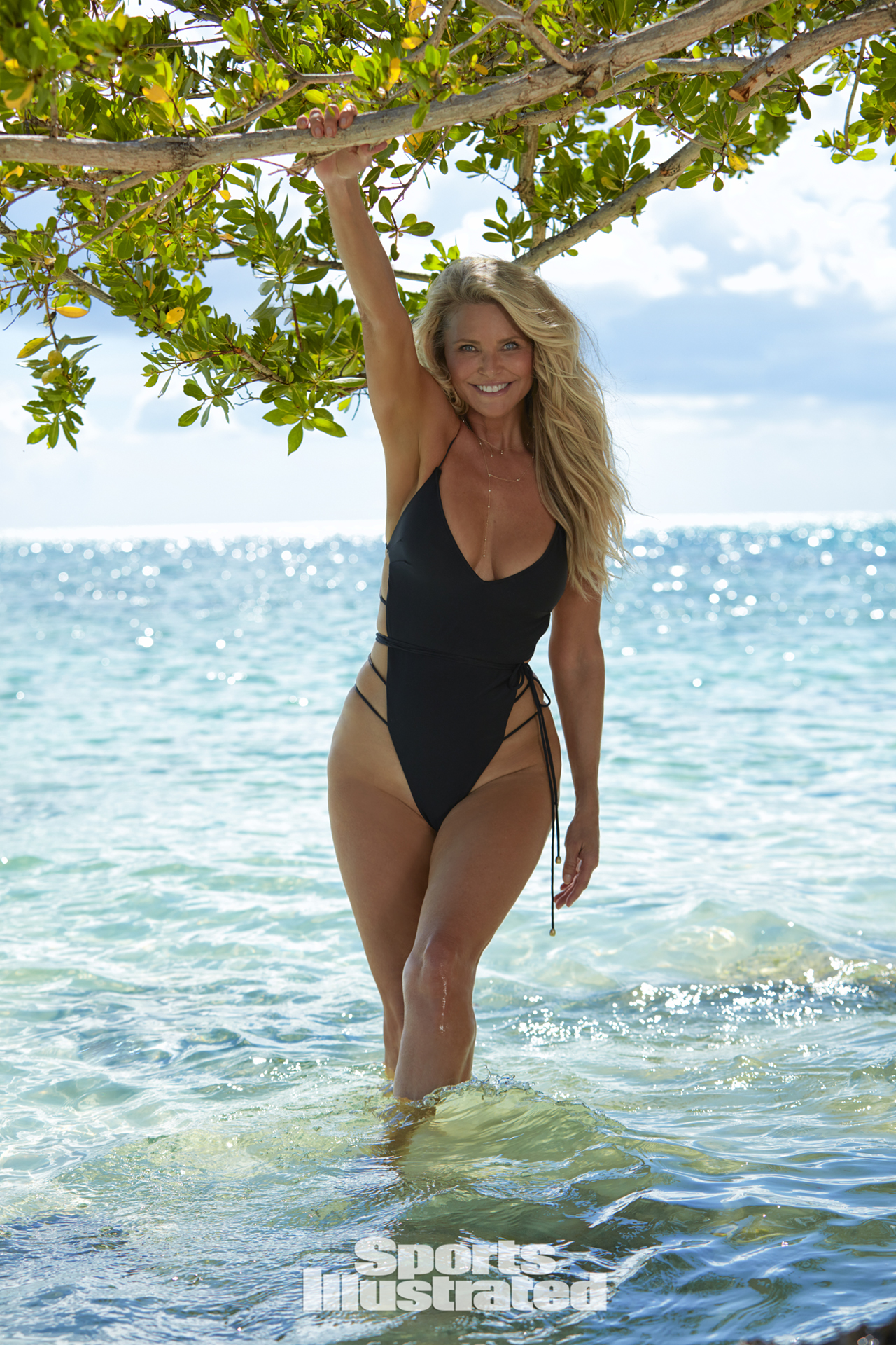 Christie Brinkley 65 évesen a Sports Illustrated magazinban