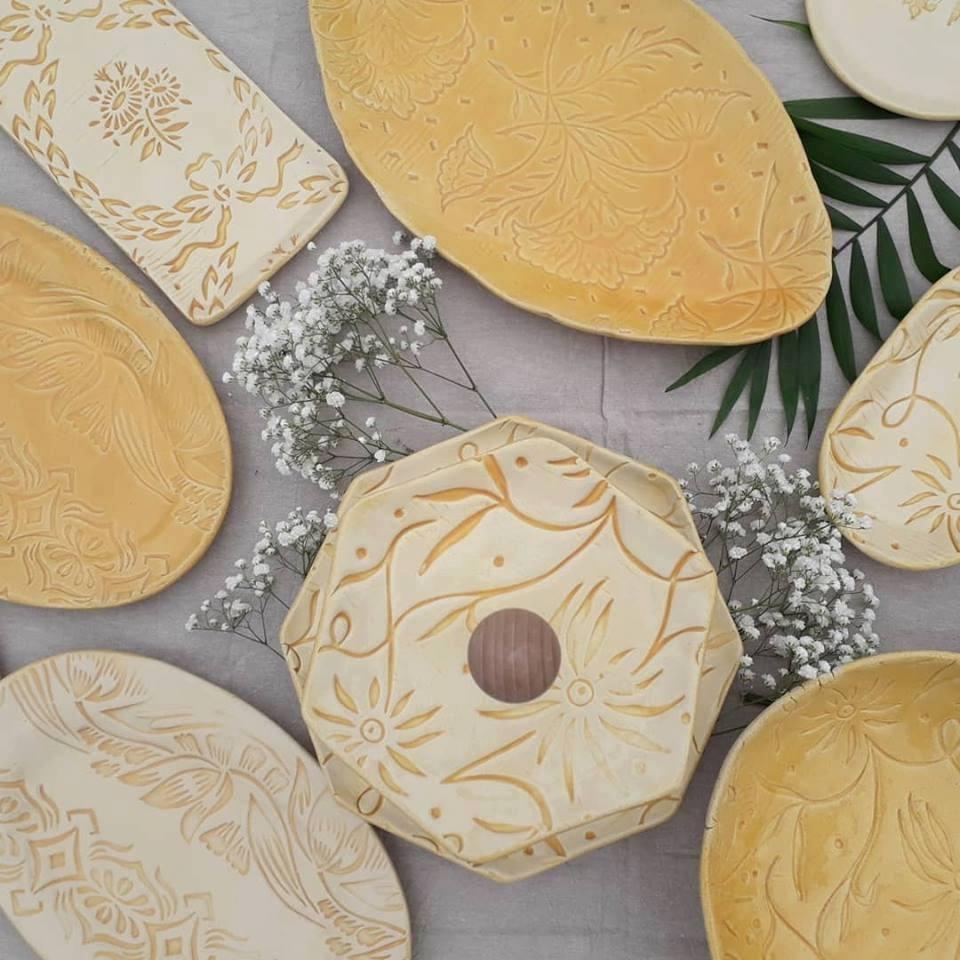 Az Apacuka ceramics már 7. éve készíti kerámiáit budapesti műhelyében. Tartanak workshopokat, készítenek egyedi dolgokat, és új Tányértervezőjükön szín-, minta- és formaválasztással is tudtok kerámiát tervezni.<br />@apacukaceramics