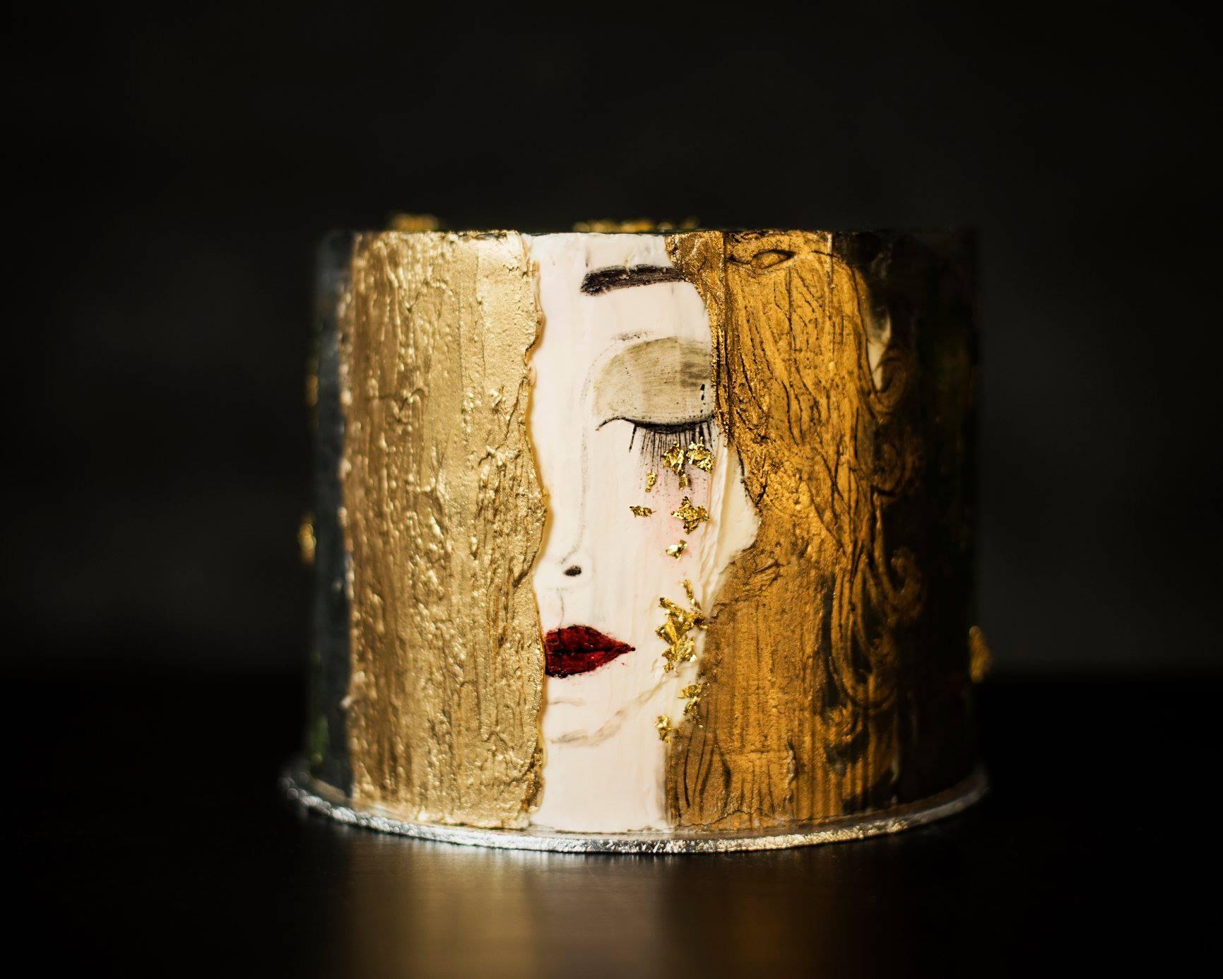 Vasas Nelli, az EAT ME Cake Boutique tulajdonosa, 2017 óta foglalkozik tortakészítéssel, csakis minőségi alapanyagokból, és ilyen menő tortákat készít!<br />@vasasnelli