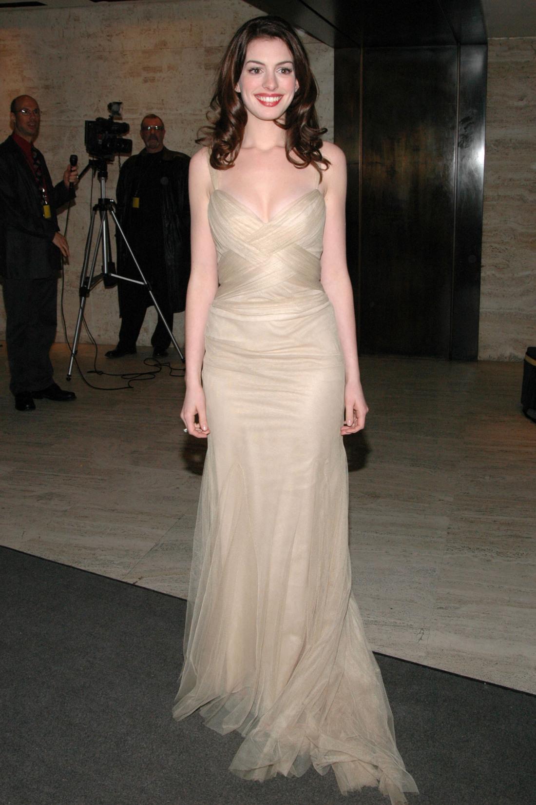 Anne Hathaway egy jótékonysági gálán