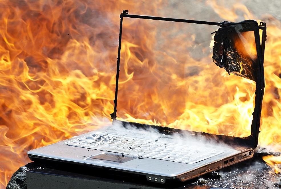 laptop melegedes