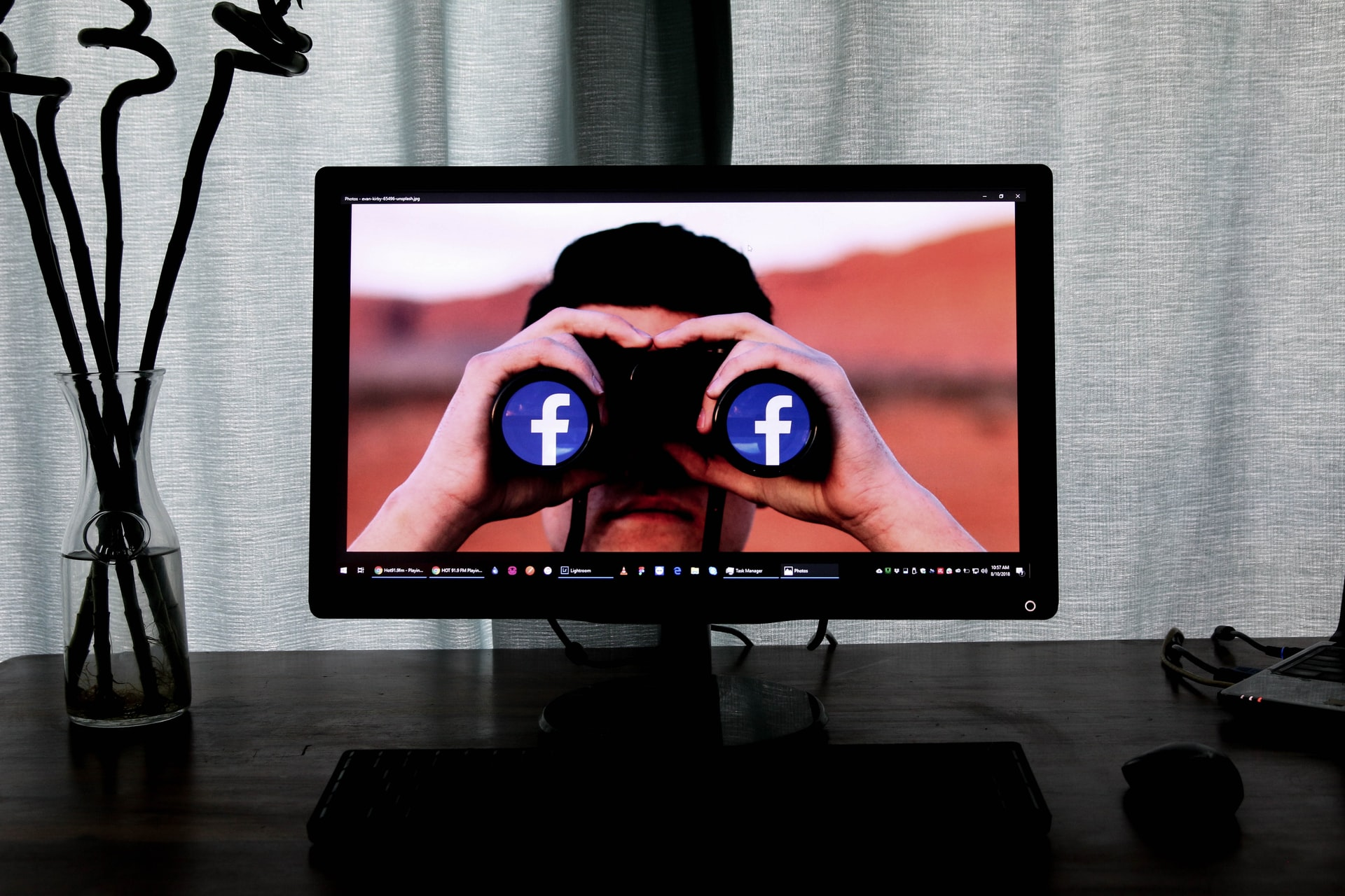 A Facebook teljes gőzzel törli a koronakamus posztokat