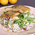 Roston sült harcsafilé joghurtos kevert salátával