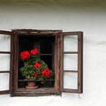 Szláv ablakon nézegetünk-e ki, vagy magyaron?