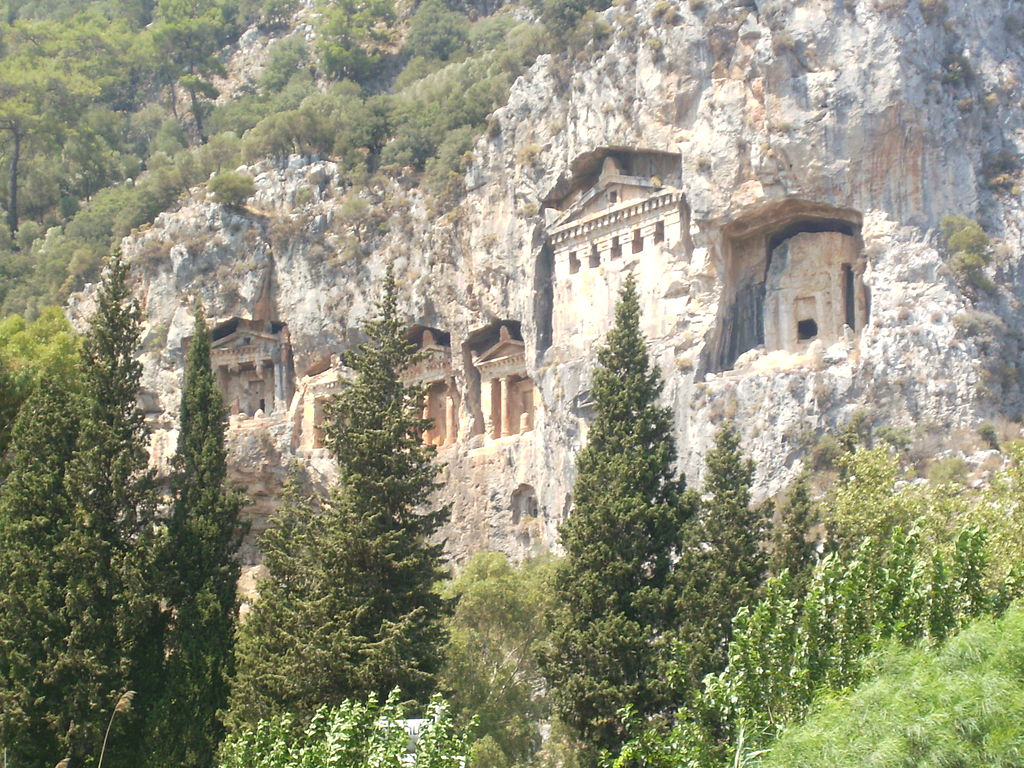 1024px-lycian_kings_tombs-dalyan.jpg