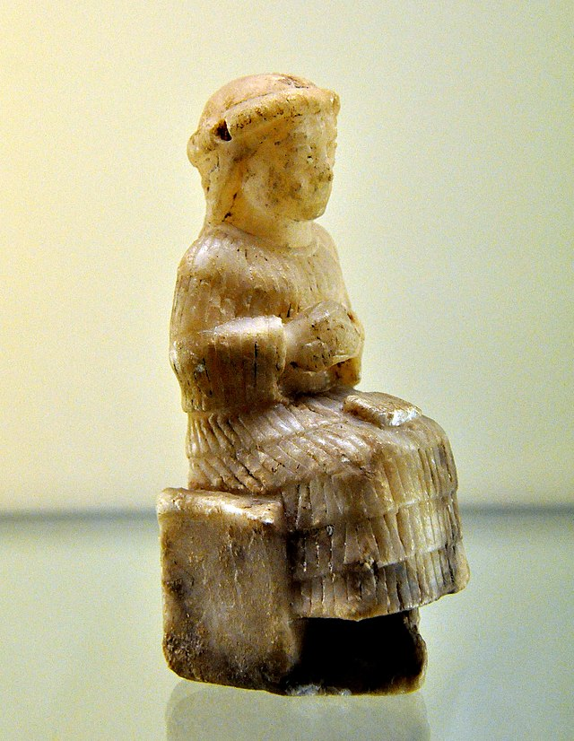 640px-mesopotamian_goddess_probably_nintinugga_sitting_on_a_stool_from_southern_mesopotamia_iraq.jpg