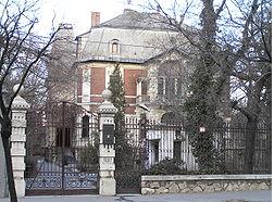 8. Tisza-villa.png