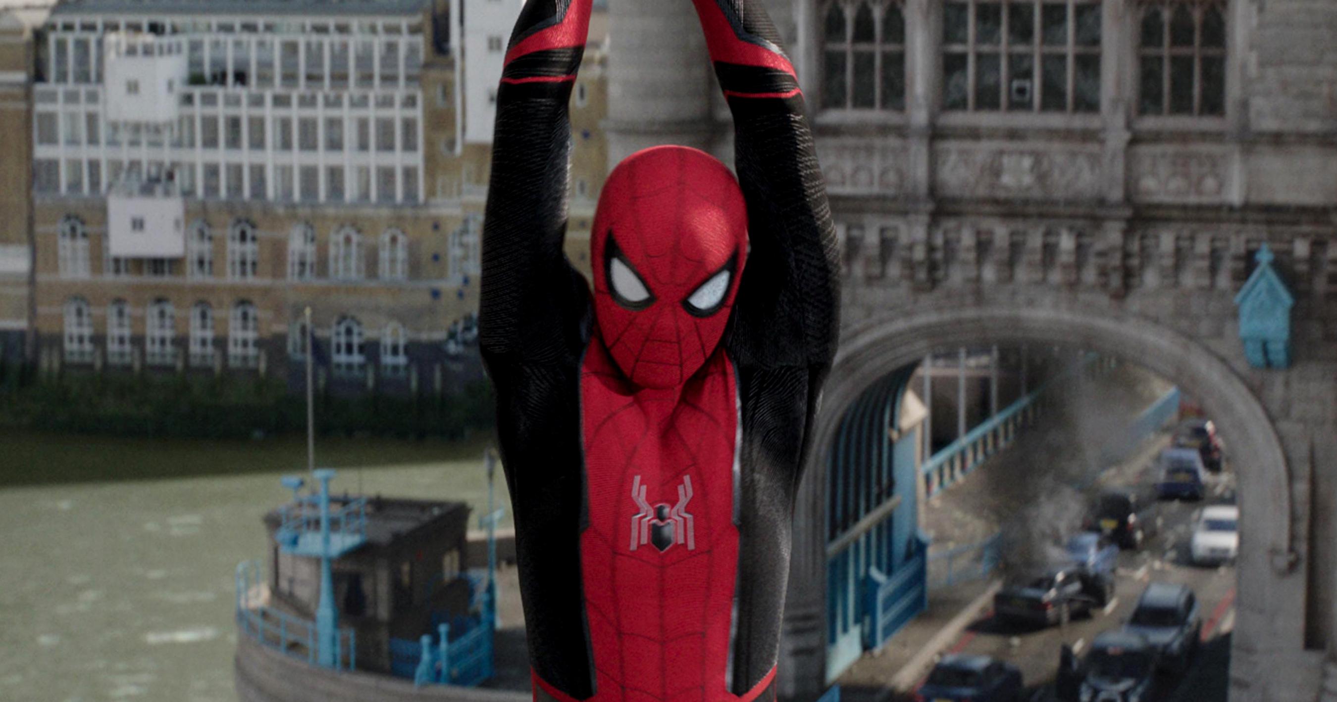 spider-man-far-from-home-bfb4520_trlcomp_v222_1022_1.jpg