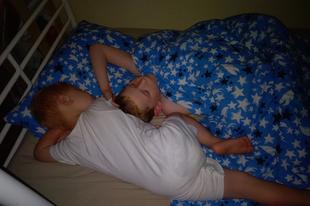 Tönkreteszi-e a testvérei életét egy Down-szindrómás gyerek?