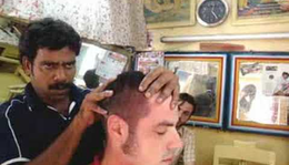 Indiai fejmasszázs