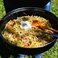 Kelkáposztás, sonkás spagetti mogyoróval
