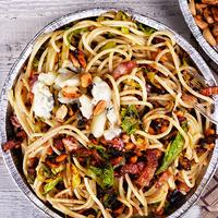 Kelkáposztás, mogyorós spagetti