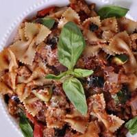 Rusztikus olasz tészta grillezett zöldséggel