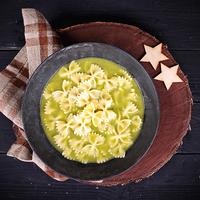 Brokkolis, kókuszos krémleves masni tésztával