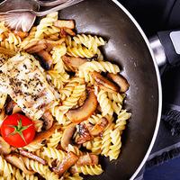 Sült halszelet gombás, parmezános tésztával - lépésekben