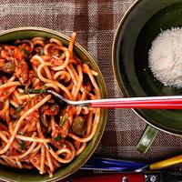 Heringes, zöldfűszeres spagetti