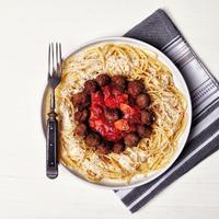 Marinara szószos, húsgombócos spagetti