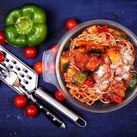 Paradicsomos, cukkínis spagetti