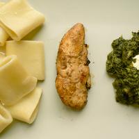 Csirke-spenót-pakkeri