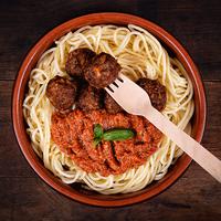 Marhahúsgolyók paradicsomos pestós spagettivel
