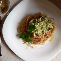 Sáfrányos cukkínis spagetti