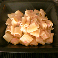 Egyszerű lazacos-tejszínes tészta
