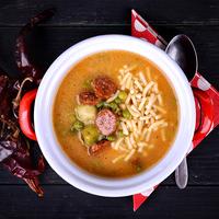 Kelbimbós, kolbászos leves