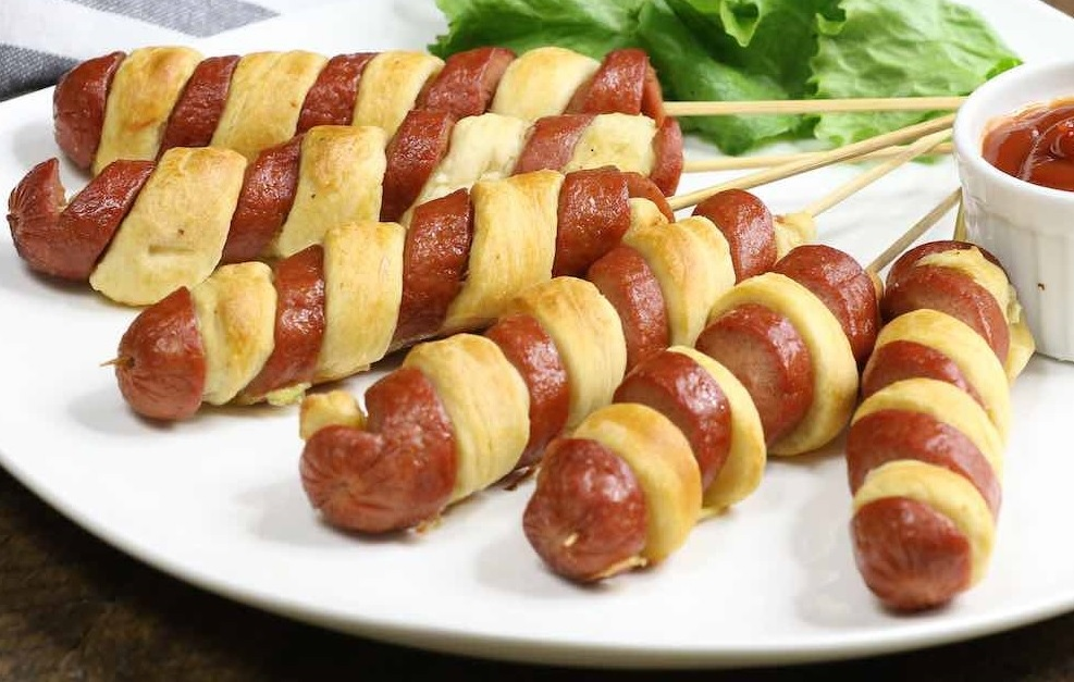 3-ingredient-crescent-dog-twists_1_2.jpg