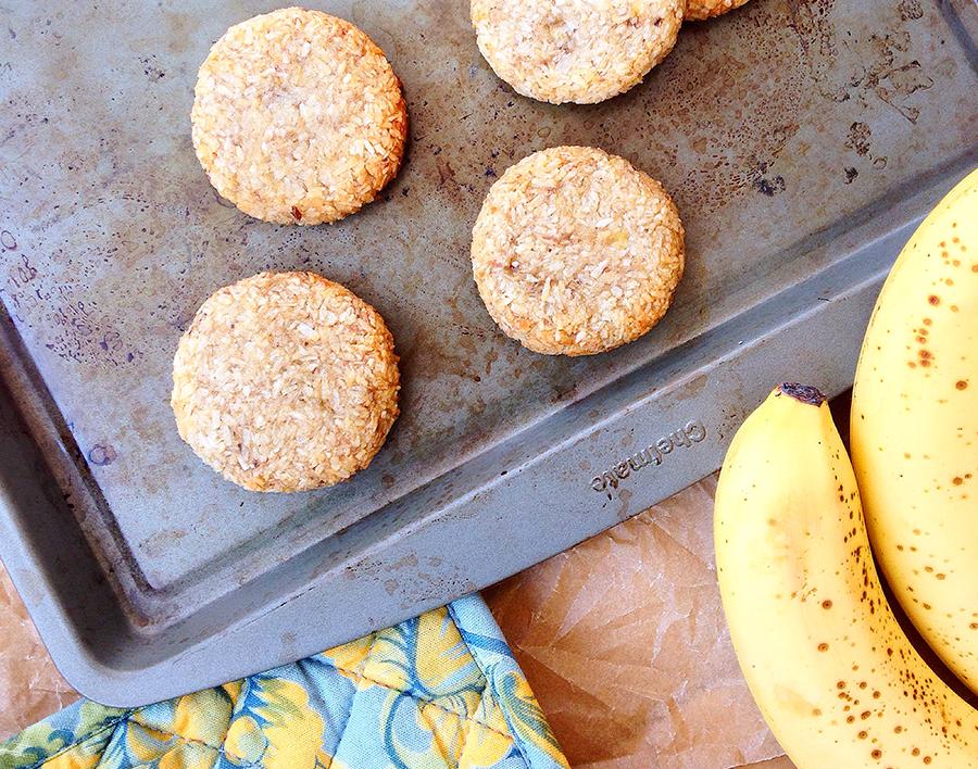2-ingredient-banana-cococnut-cookies-alternate.jpg