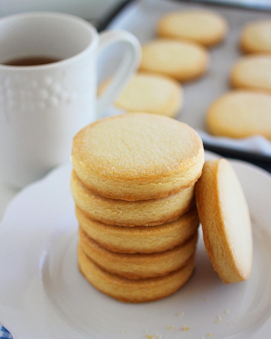 3ingredientshortbreadcookies-2_1.jpg