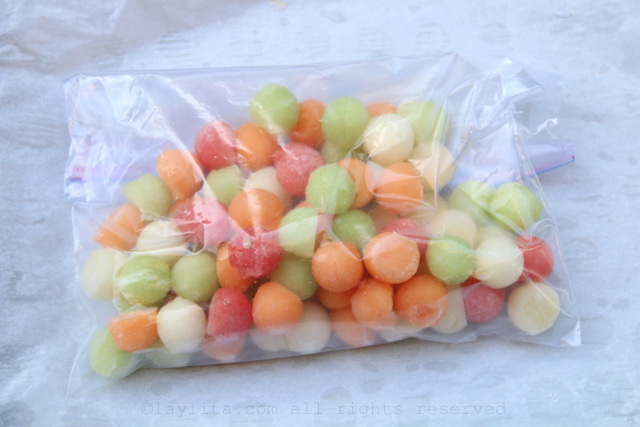 6-place-the-melon-ball-ice-cubes-in-a-freezer-bag-and-keep-frozen-until-you-need-them.jpg