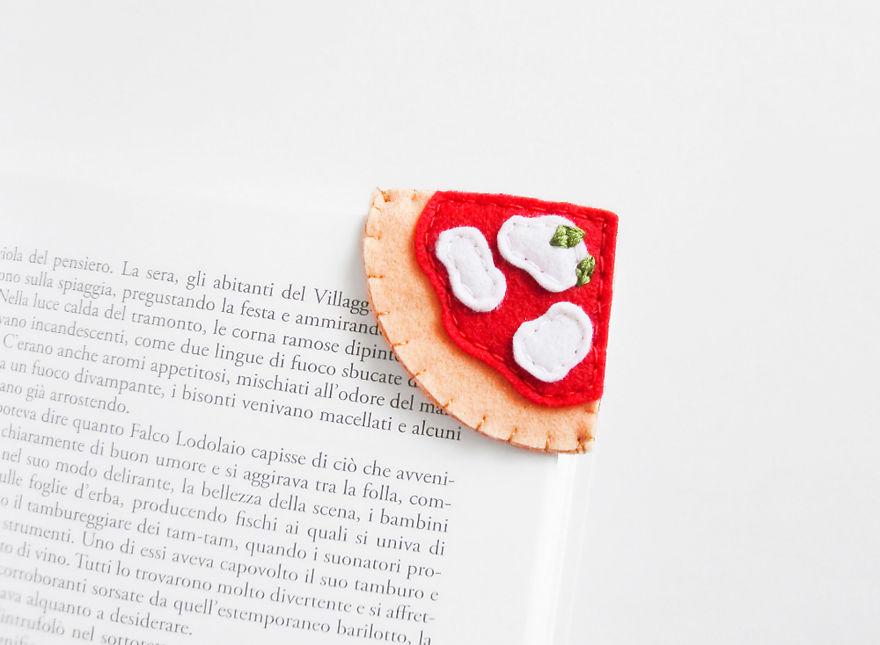 81684935_bookmark-pizza_inspirationalgecko_880.jpg