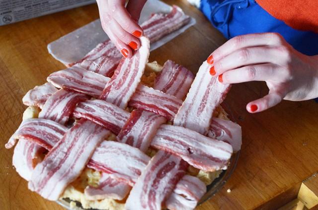 9 bacon tetején keresztbe.jpg